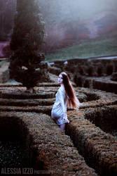 Escape by Alessia-Izzo