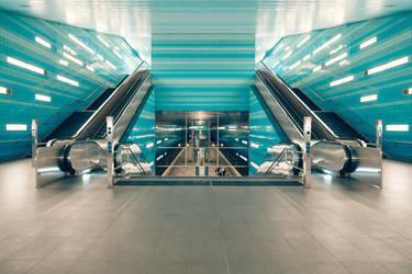 Hamburg Subway by ragekay