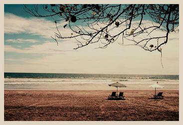 empty beach by slazzy