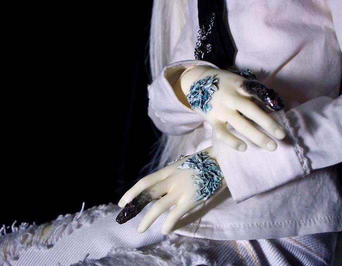 Frostbitten by Aoi-kajin