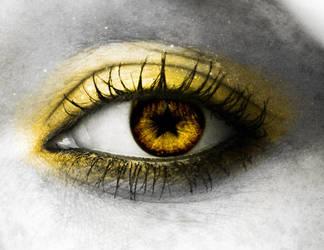 yellow eye by janisska