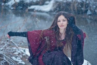Winter witch III by erynrandir