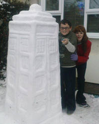 The Tardis - snow by david-lover-forever