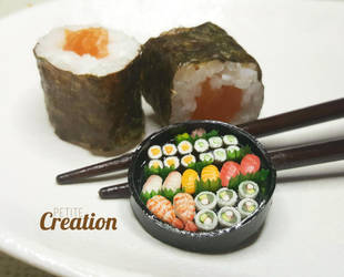 Miniatue Sushi Party Tray by PetiteCreation
