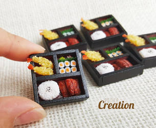 Miniature bento box by PetiteCreation