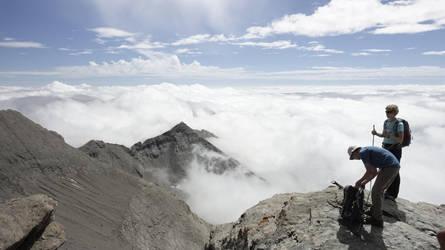 Look, out on yonder cloud by EADodd