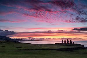 Hanga Roa sunset by jViks
