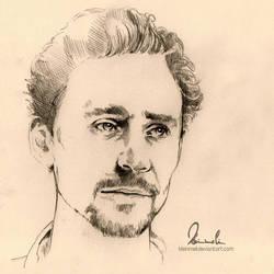 Tom Hiddleston by kleinmeli