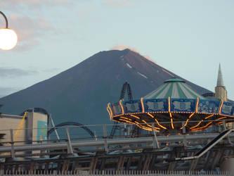 Fuji-Q by MissSebasuchan