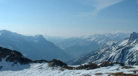 Skiing 1 by jublywobble