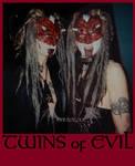 Twins by crudelia