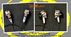 Biomechanical Skull headphones by crudelia