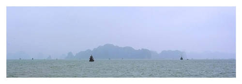 Halong Bay Scenery by r4tm