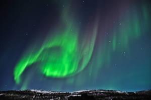 Auroras over Festvag by SindreAHN