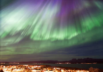 Northern Lights, a view from Home by SindreAHN