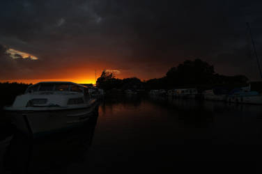Sunset on the Broads by Greattie
