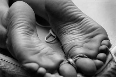 Tied up toes - closeup by freakshow9