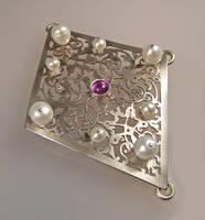 Baroque brooch by Azach