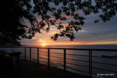Sunset in Anilao by meihua