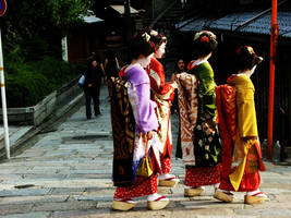 Gion: Sisters of Geiko by mitzee