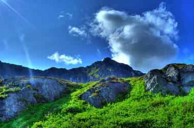 Grassy Mountains by pacmangeek