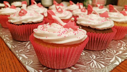 girly high heel cupcakes by darklizard14