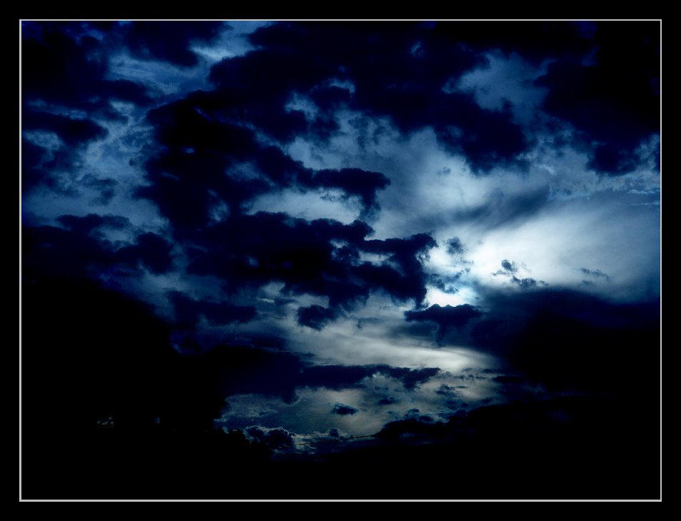 Blue Moon by insaneone