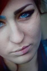 Bright Eyes by luxwar