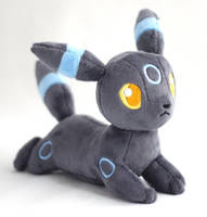Shiny Umbreon Plush by Draxorr