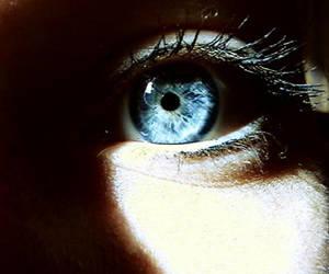 blue eye by DevilishParadise