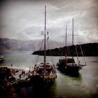 Santorini Ships by lostknightkg