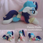 Plainity Plushie by haselwoelfchen