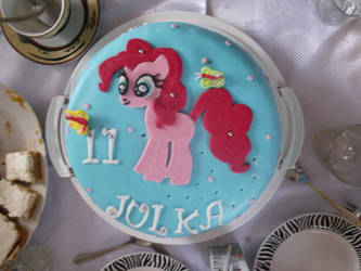 My birthday cake :p by TSbaseIinne