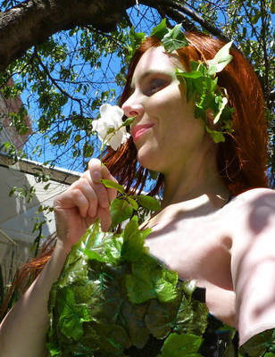 poison ivy self-portrait by deadeuphoric