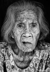 Grandma by hamkahatta