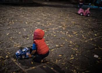 Child's play by PatrickMonnier