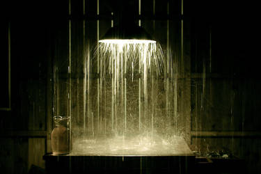 It's raining inside by matmoon