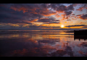 Radiant Sunset by panduka56