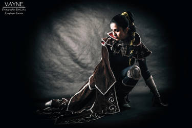 Vayne - League of Legends cosplay by DATgermia