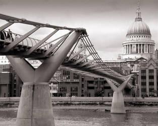 The Wobbly Bridge by paullomax