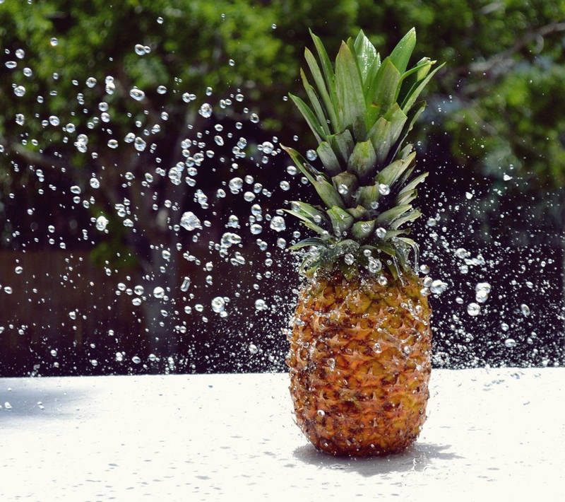 Bubbling Pineapple by SAVALISTE