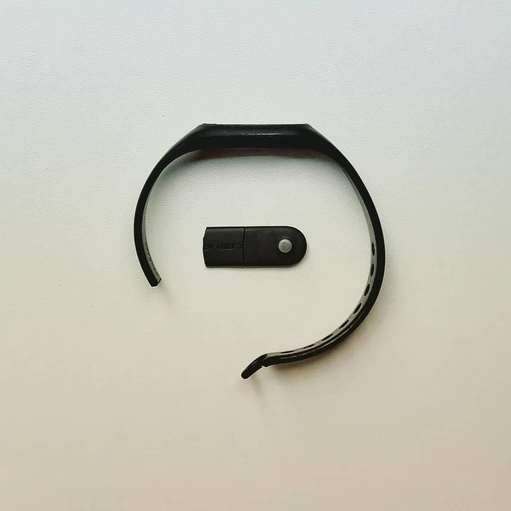 Broken Xiaomi Mi Band by FutureMillennium