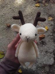 Amigurumi Reindeer by Kizzydreaming9