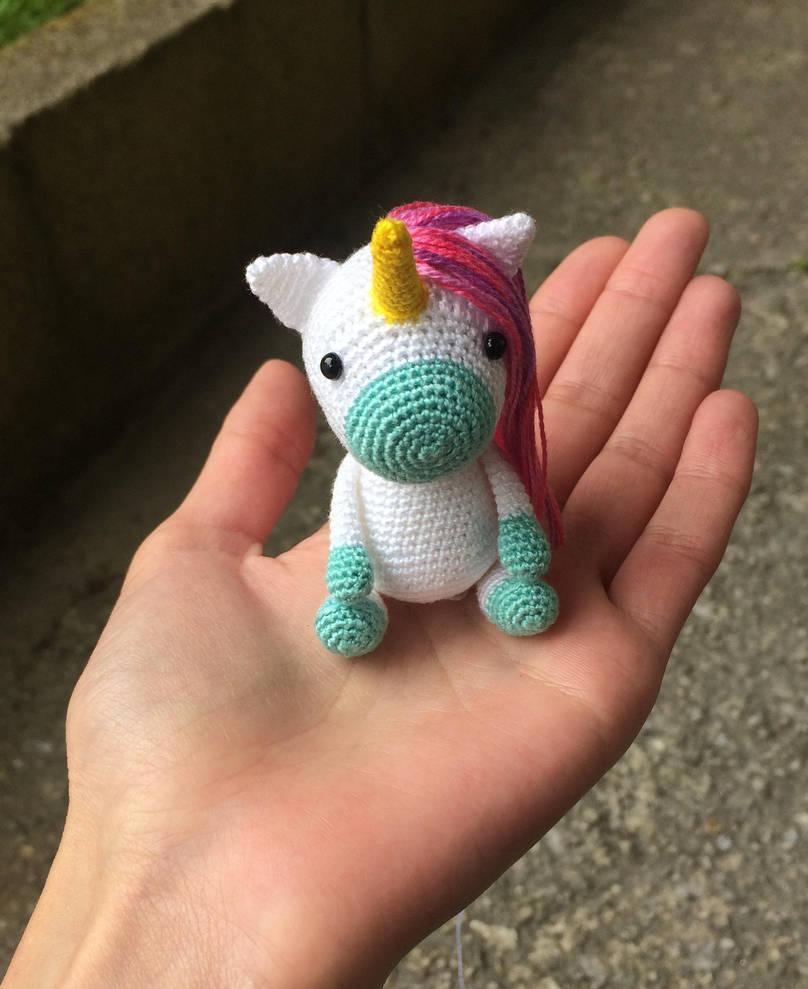 Unicorn Amigurumi by Kizzydreaming9