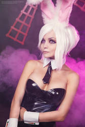 League of legends - Battle Bunny Riven by Siradze