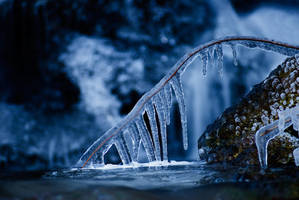 Caught in the ice by Hilje