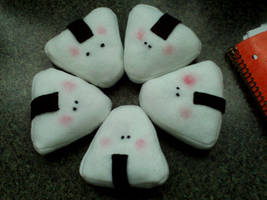 Blushing onigiri plush by Sci00