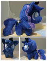 Chibi Princess Luna by buttsnstuff