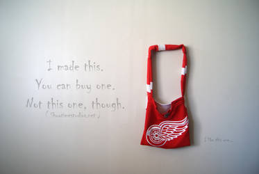Redwings Purse by The-Erin-show
