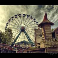 Ferris Wheel by Pajunen